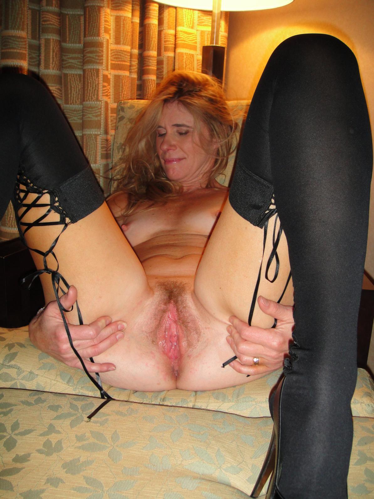 Slutty wife in pantyhose