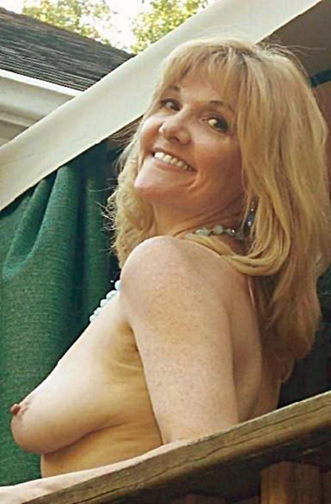 Nude female zelda