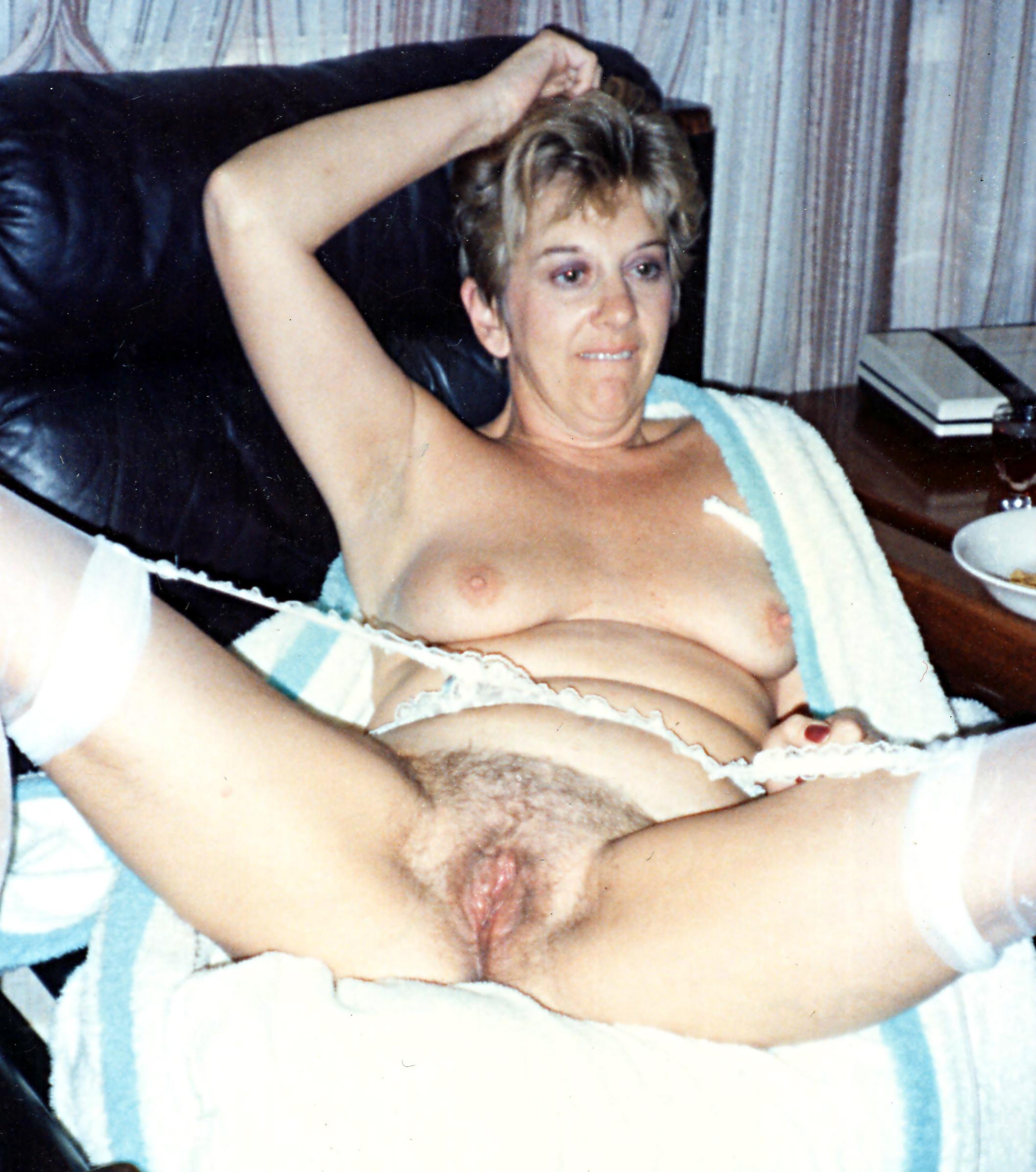 Free Nude Polaroids - Show Me Your Wife: Remember Polaroid Cameras